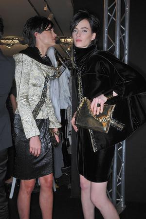 Показ Giorgio Armani Privé коллекции сезона Осень-зима 2009-2010 года haute couture - www.elle.ru - Подиум - фото 87717