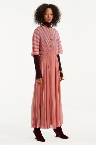 Стиль великих художниц в Dior Pre-Fall 2019 (фото 6.1)