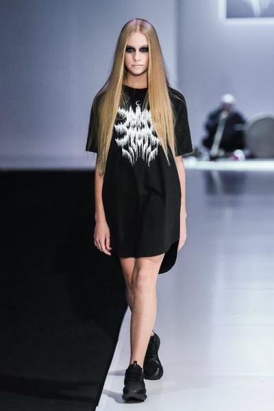 Молодые дизайнеры на Неделе моды в Москве | галерея [5] фото [7]