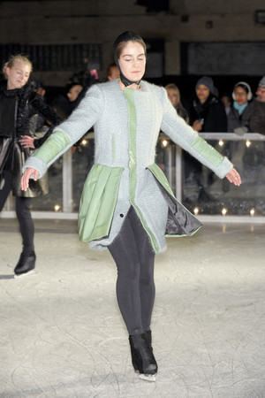 Показ Elise Overland коллекции сезона Осень-зима 2011-2012 года Prêt-à-porter - www.elle.ru - Подиум - фото 226776