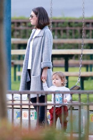 Пользователи сети обсуждают трогательные фото Милы Кунис с сыном Димитрием (фото 2)