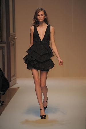 Показы мод Emanuel Ungaro Осень-зима 2010-2011 | Подиум на ELLE - Подиум - фото 2711