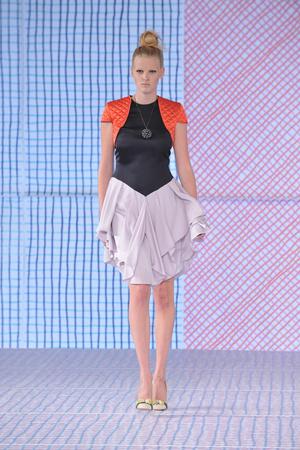 Показы мод Pollini Весна-лето 2009 | Подиум на ELLE - Подиум - фото 3331