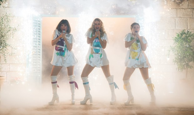 Вдохновение кино: стиль в фильме «Mamma Mia! 2» (фото 9)