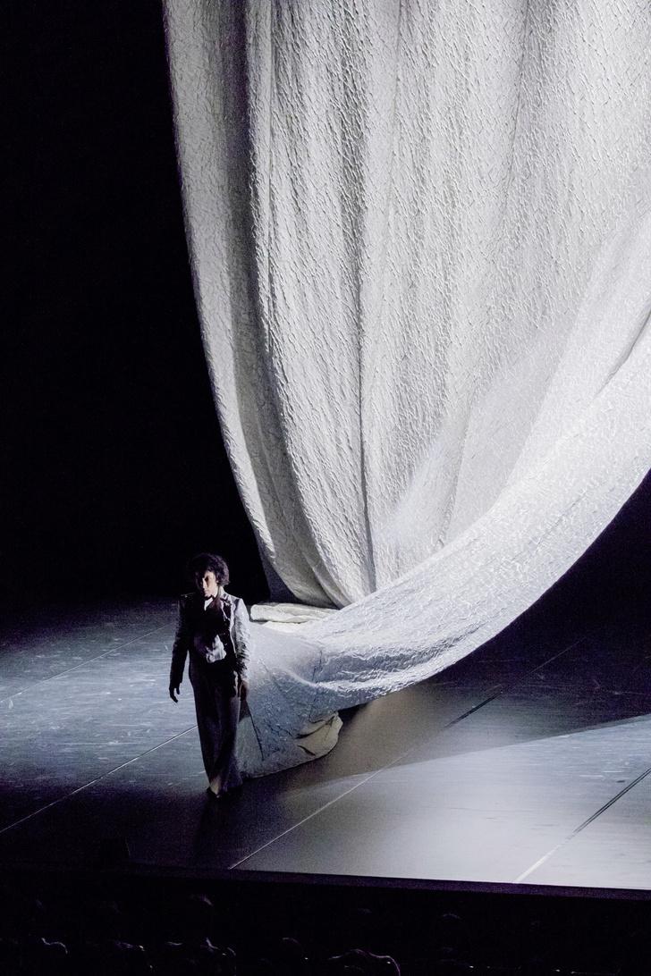 Тонкие материи: главные герои текстильного дизайна (фото 52)