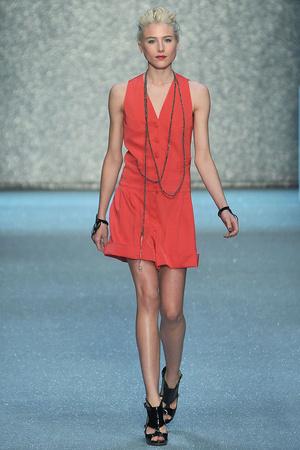 Показы мод Karl Lagerfeld Весна-лето 2010 | Подиум на ELLE - Подиум - фото 2934