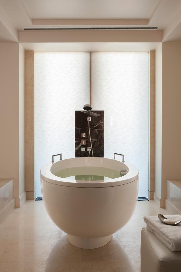 Ванная комната в одном из номеров отеля Four Seasons.