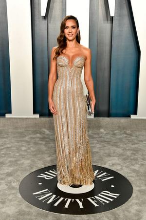Золотой Голливуд: Джессика Альба на афтепати «Оскара» (фото 1.1)