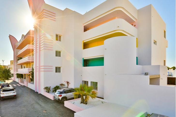 Американский модернизм и группа «Мемфис» в отеле на Ибице (фото 0)