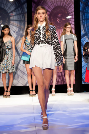 Показы мод Charlotte Ronson Весна-лето 2014 | Подиум на ELLE - Подиум - фото 3542