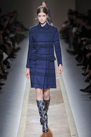 Показы мод Valentino Осень-зима 2011-2012 | Подиум на ELLE - Подиум - фото 2115