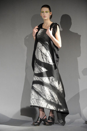 Показ Atelier Gustavo Lins коллекции сезона Весна-лето 2011 года haute couture - www.elle.ru - Подиум - фото 216129