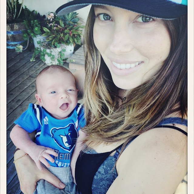 Джастин Тимберлейк и Джессика Бил показали новорожденного сына