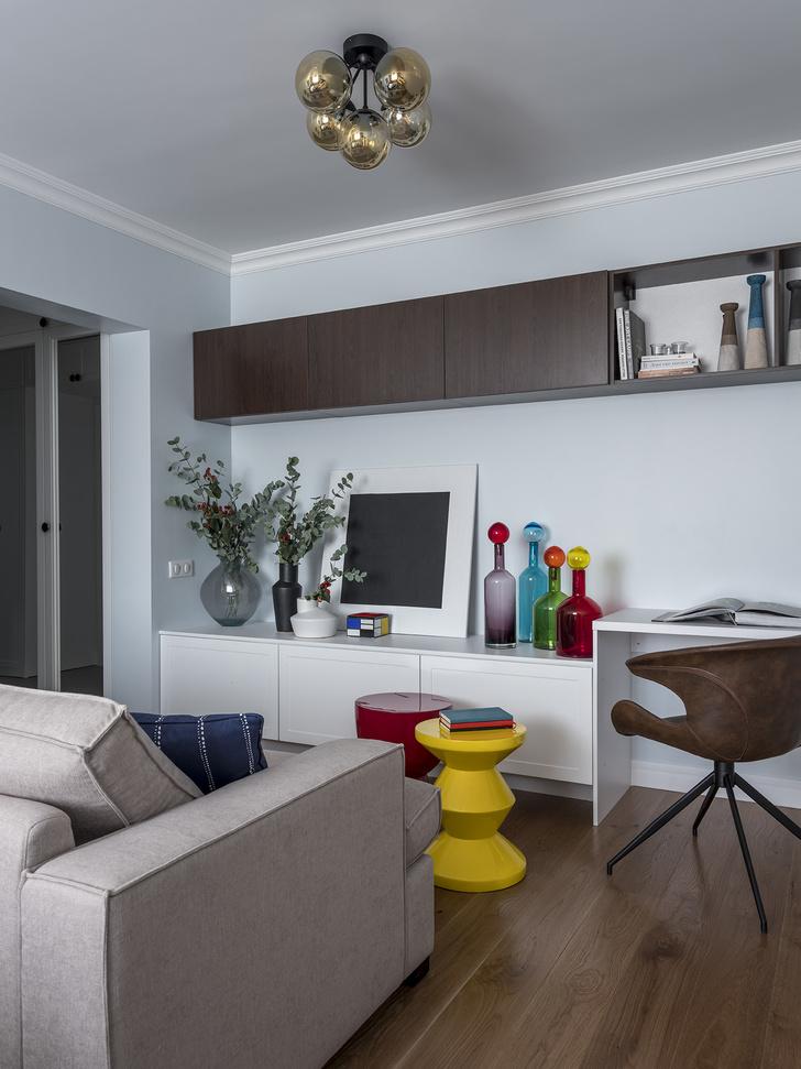 Дитя заката: фламинго и другие яркие  решения в типовой квартире 55 м² (фото 6)