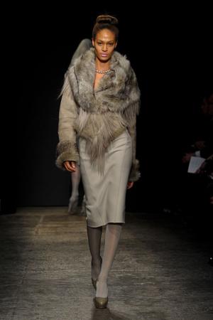 Показ Donna Karan коллекции сезона Осень-зима 2011-2012 года Prêt-à-porter - www.elle.ru - Подиум - фото 229723