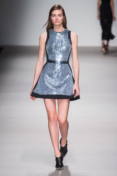 Неделя моды в Лондоне: 22 февраля | галерея [1] фото [2]