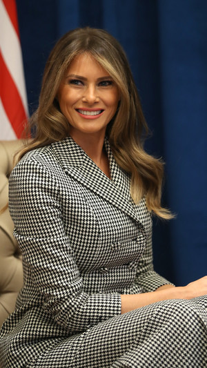 8 примеров того, как Мелания Трамп вдохновляется стилем принцессы Дианы (фото 10)