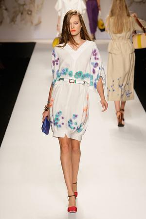 Показы мод Fendi Весна-лето 2011 | Подиум на ELLE - Подиум - фото 2561