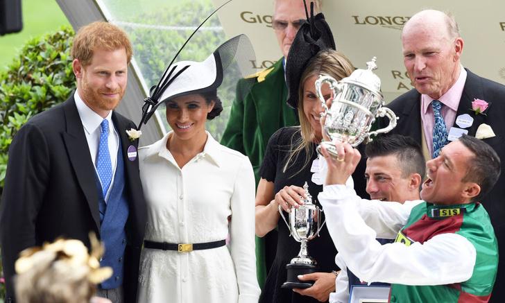 Прощай, королева: лучшие выходы Меган Маркл в качестве члена монаршей семьи (фото 4)