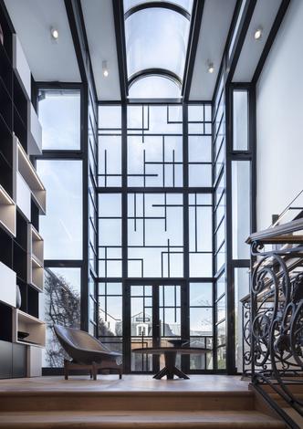 Бутик Delvaux в Брюсселе: современный дизайн в историческом здании (фото 1.1)