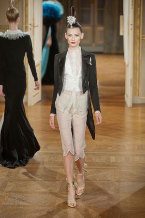 Показ Alexis Mabille коллекции сезона Осень-зима 2012-2013 года haute couture - www.elle.ru - Подиум - фото 403456