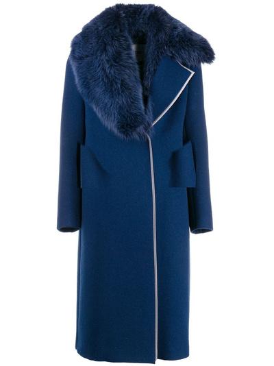 3 причины, почему зимнее пальто лучше пуховика (галерея 3, фото 1)