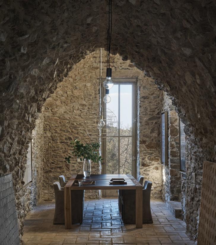 Дом в здании фермы XVII века в Испании (фото 13)