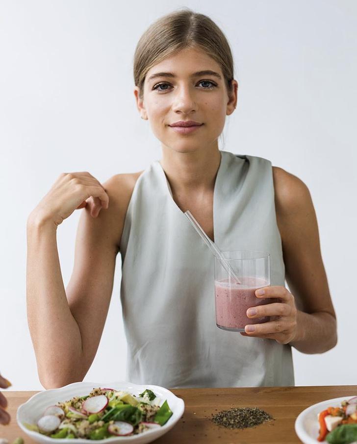 Готовим дома: 3 полезных рецепта от Саши Новиковой, которые поднимут вам настроение и укрепят иммунитет (фото 1)