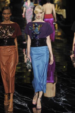 Показ Louis Vuitton коллекции сезона Весна-лето 2011 года prêt-à-porter - www.elle.ru - Подиум - фото 191054