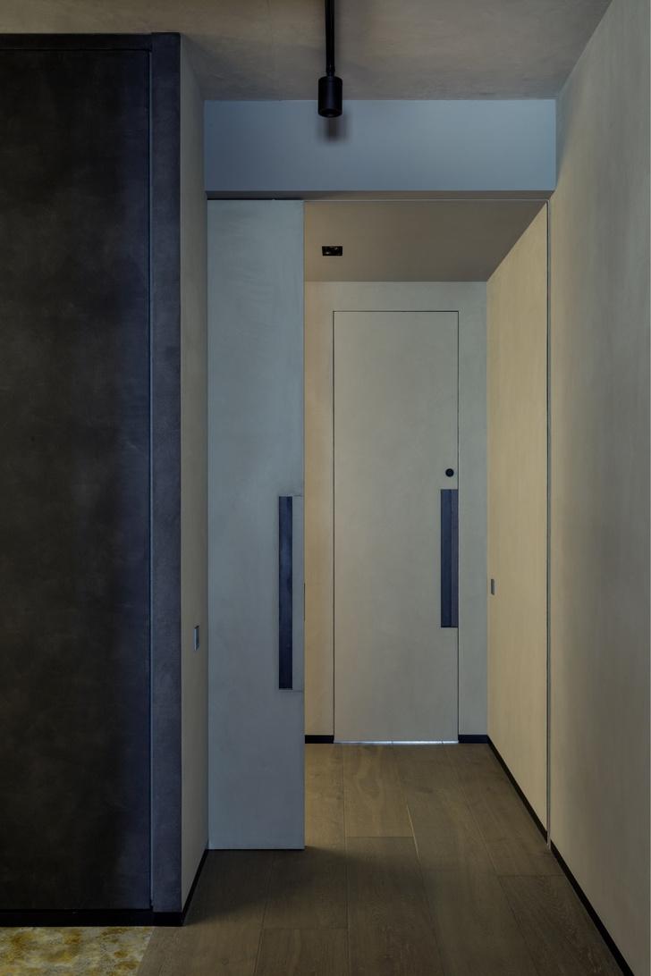 Брутальный интерьер квартиры в Москве (фото 13)