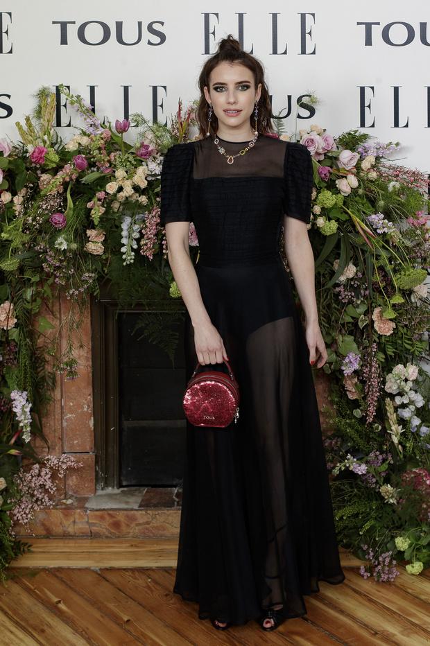 «Голое» платье, которое : Эмма Робертс в Мадриде (фото 1)