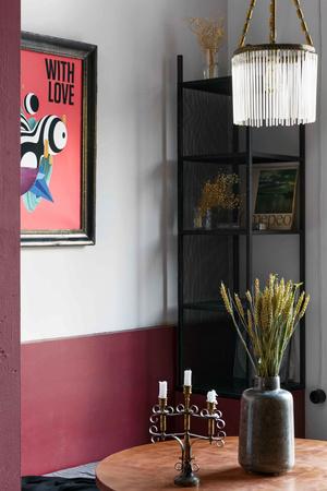 """Матча-бар """"Салют"""" с граффити и винтажными светильниками в Петербурге (фото 8.2)"""