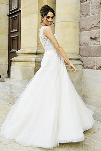 Меган Маркл выбирает свадебное платье фото [3]
