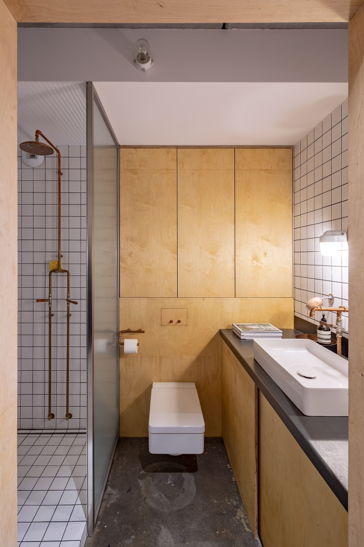 Бетонная квартира 55 м² архитектора Пшемо Лукашика в Варшаве (фото 14)