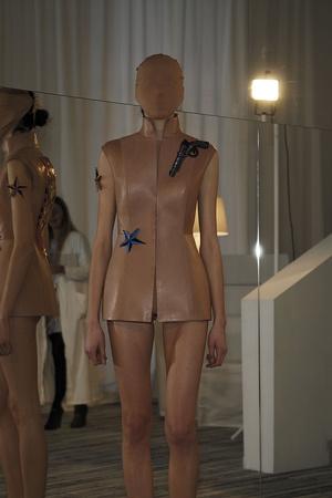 Показы мод Maison Martin Margiela Весна-лето 2009 | Подиум на ELLE - Подиум - фото 3277