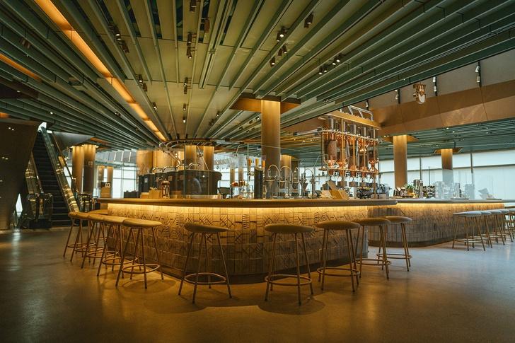 Самый большой Starbucks открылся в Чикаго (фото 6)