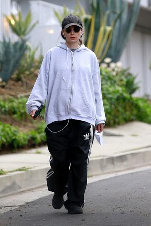 Когда мужская одежда сидит лучше и удобнее: расслабленный образ Руни Мары (фото 1.1)