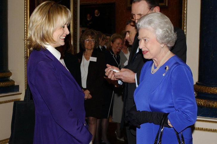 Что звезды надевали на встречу с королевой Елизаветой II? (фото 24)