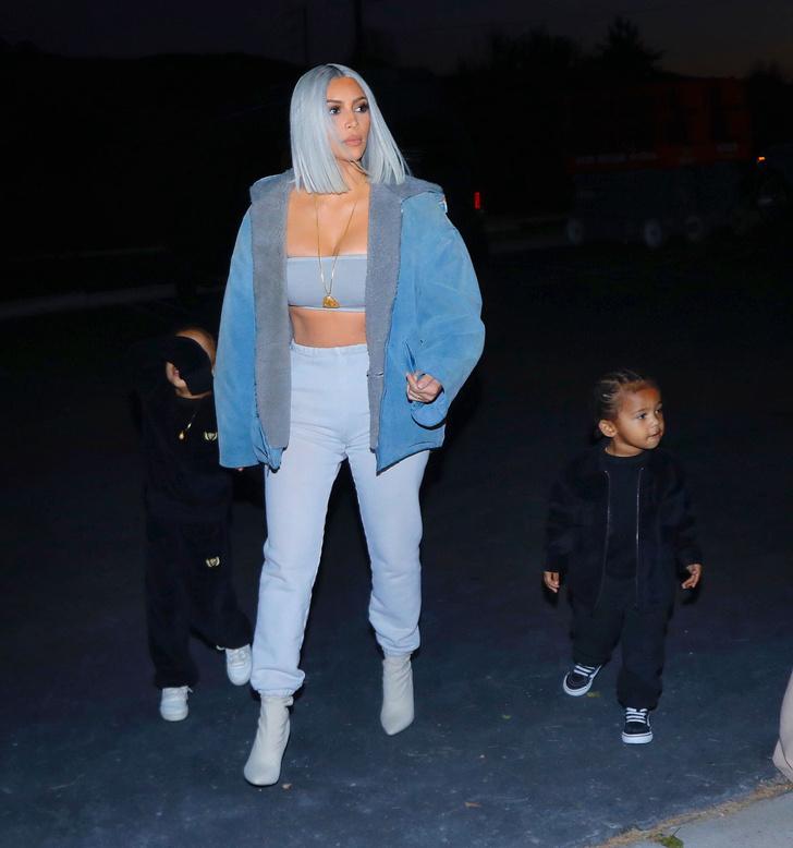 Ким Кардашьян сменила цвет волос: звезда покрасилась в голубой (фото 1)