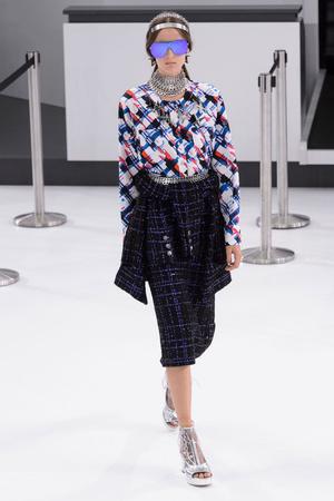 Показ Chanel коллекции сезона Весна-лето  2016 года Prêt-à-porter - www.elle.ru - Подиум - фото 602257
