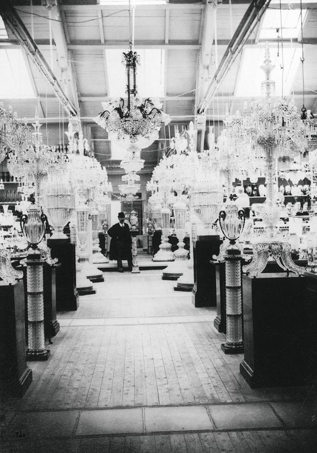 Интерьер парижской штаб-квартиры Baccarat конца Xix — начала XX века.