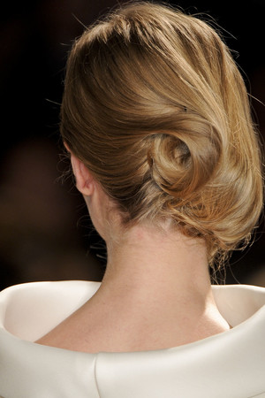 Показ Stephane Rolland коллекции сезона Весна-лето 2011 года Haute couture - www.elle.ru - Подиум - фото 216549