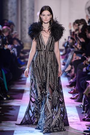 Показ Elie Saab коллекции сезона Весна-лето 2018 года haute couture - www.elle.ru - Подиум - фото 675191