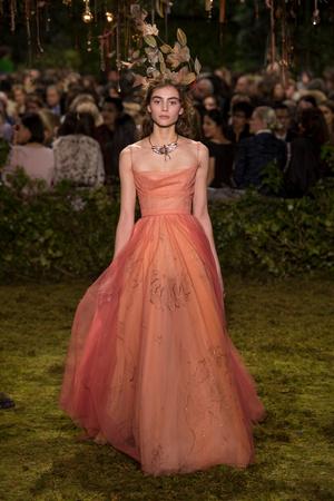 Показ Christian Dior коллекции сезона Весна-лето  2017 года Haute couture - www.elle.ru - Подиум - фото 616263