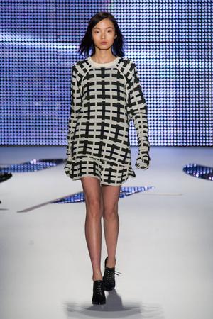 Показы мод Lacoste Осень-зима 2014-2015 | Подиум на ELLE - Подиум - фото 3826