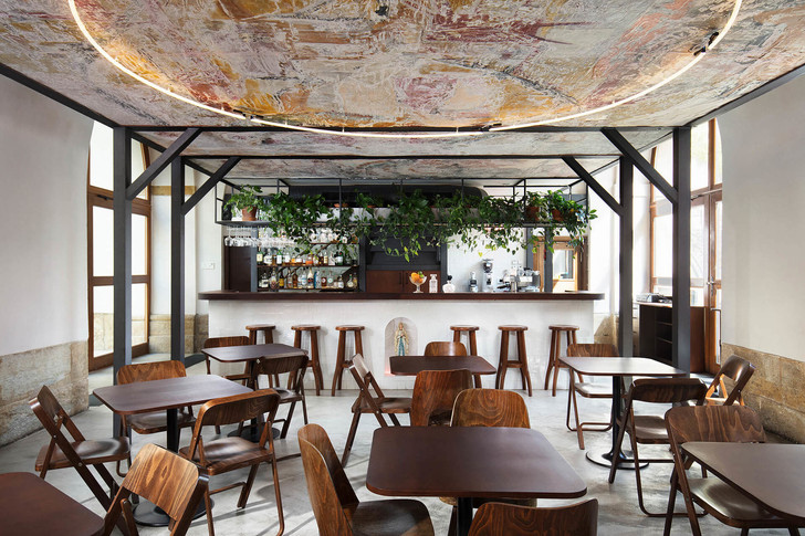 Кафе в иезуитском моностыре в Чехии (фото 3)