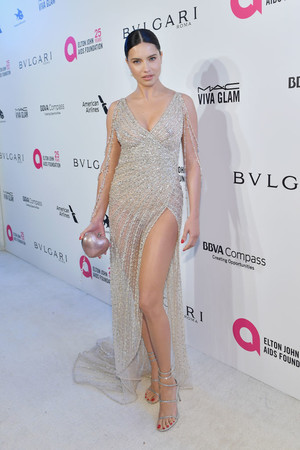 Самые сексуальные платья афтепати «Оскара-2018» (фото 7)