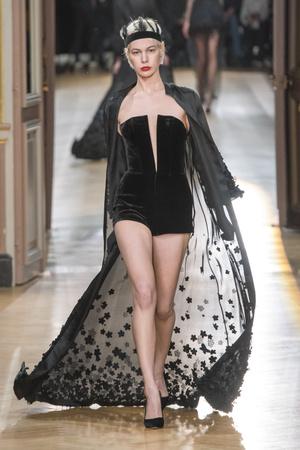 Показ Yanina Couture коллекции сезона Весна-лето 2018 года Haute couture - www.elle.ru - Подиум - фото 674291