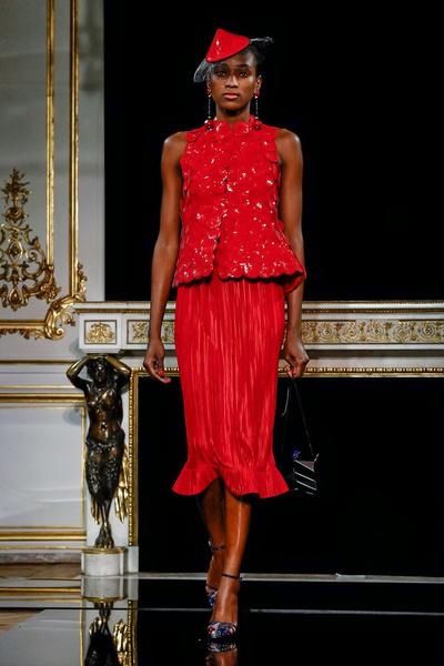 Буйство красок и идеальные жакеты в Giorgio Armani Privé Couture SS 2019 (галерея 1, фото 15)