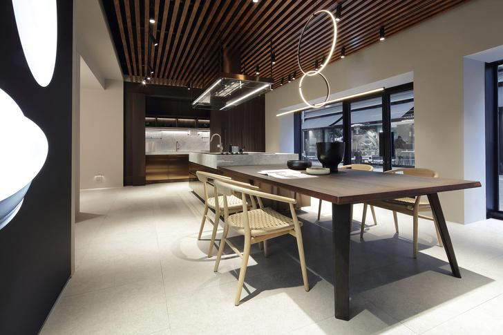 Шоу-рум кухонь Arclinea по проекту Антонио Читтерио (фото 2)